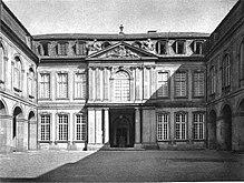 Frankfurt Palais Thurn und Taxis Corps de Logis.jpg