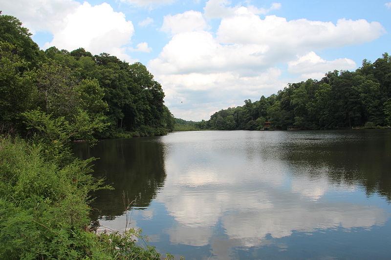 File:Garrett Lake, Mountain Park, Fulton County, Georgia.JPG