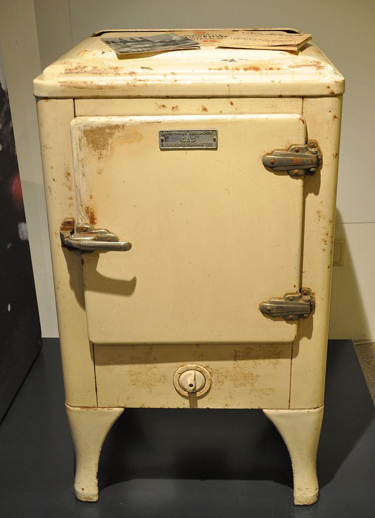 File:Gaskühlschrank Elektrolux L15 1940er img01.jpg - Wikimedia Commons