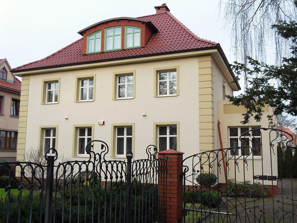 1024px-Gda%C5%84sk_ulica_Polanki_73B.JPG