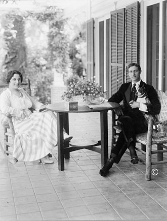 Lou Tellegen - Tellegen with wife, opera soprano and actress  Geraldine Farrar, ca. 1916.