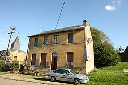 Germont - la Mairie - Photo Francis Neuvens lesardennesvuesdusol.fotoloft.fr.JPG