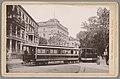 Gezicht op een straat is Wiesbaden met een tram Wiesbaden - Villa Nassau (titel op object) Die Rheinlande (serietitel op object), RP-F-00-799.jpg