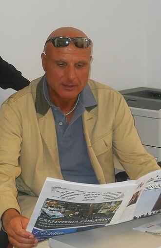Gildo De Stefano - Gildo De Stefano, to work in the newspaper, Nov 2012