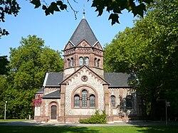 Goettingen Stadtfriedhof Kapelle 01.jpg