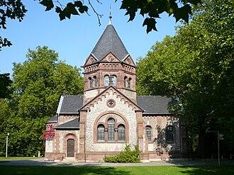 Stadtfriedhof (Göttingen) - The Stadtfriedhof Chapel designed by city architect Heinrich Gerber