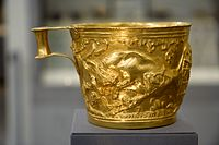 Gold cup Vafio 1500 to 1450 BC, NAMA 1758 080866.jpg