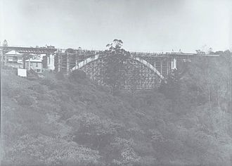 Grafton Bridge - Wooden falsework under the new bridge in 1909.
