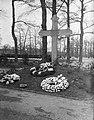 Grebbeberg. Kruisherdenking 1940, Bestanddeelnr 902-1465.jpg