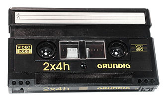 Video 2000 - Image: Grundig Video 2000 VCC Kassette 1983 Rotated