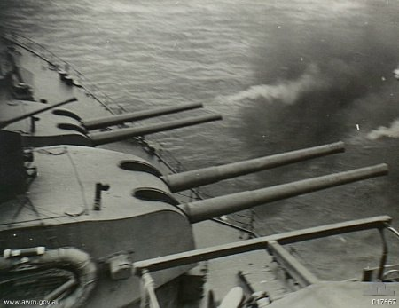 HMAS Shropshire Morotai 017667
