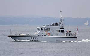 HMS Smiter (P272) - Image: HMS Smiter 1