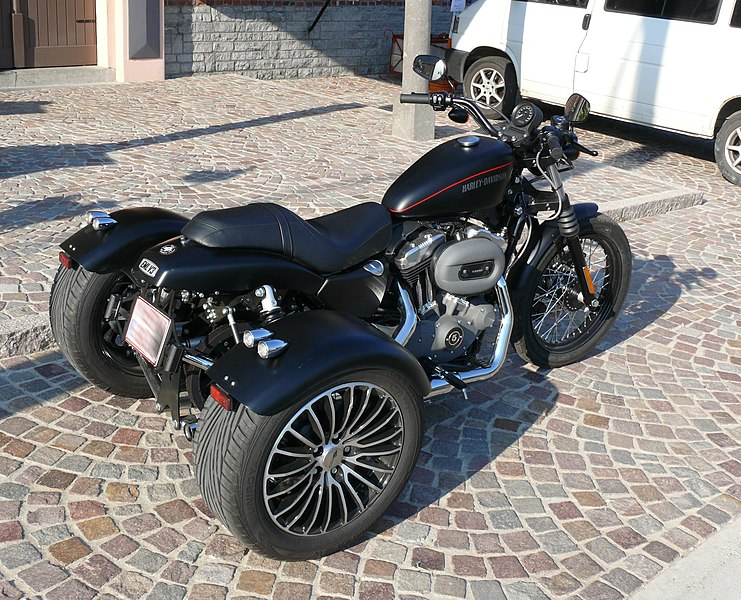 Harley-Davidson XL1200 Sportster - EML V3, an XL1200 which has been converted into a trike by the Dutch company EML Sidecars.