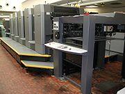 Bogenoffset-Druckmaschine mit 5 Druckwerken - HEIDELBERG Speedmaster CD 102