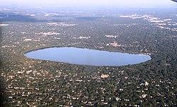 Hennepin county MN Lake Harriet IMG 1768 vanuit oost.JPG