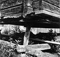 Hjørnedetaljer av det største stabburet på Lars Mattssons gård ved Egelatjsjøen, Snärra 1948 - Norsk folkemuseum - NF.05116-040.jpg