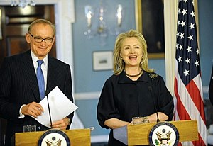Bob Carr - Carr with United States Secretary of State Hillary Clinton in April 2012