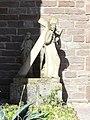 Hommarting (Moselle) Église Saint-Martin, extérieur, Christ portant son croix.jpg