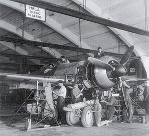 IAR 80 - IAR-80 undergoing maintenance