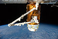 ISS-32 HTV-3 Canadarm2 grapples the Exposed Pallet.jpg