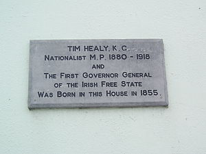 Tim Healy (politician) - Plaque on Bantry's Wolfe Tone Square commemorating Tim Healy's birth.