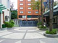 Inside of Min Sheng Elementary School Main Gate View from Front court 20100117.jpg