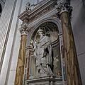 Interieur, het standbeeld van Sint-Blasius in een nis in het zuider transept - Oudenbosch - 20383981 - RCE.jpg
