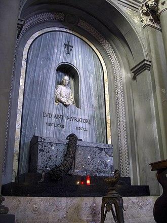Santa Maria della Pomposa, Modena - Image: Interno della Chiesa di Santa Maria di Pomposa e tomba di Muratori