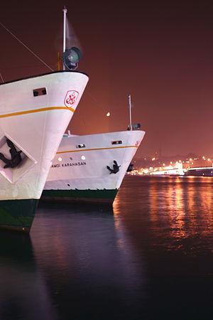 Karaköy - Ferries ashore Karaköy quay