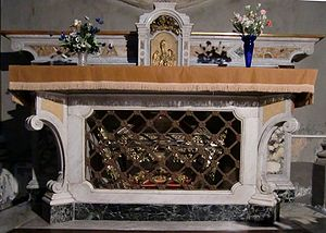Thaddeus McCarthy - Altar with the funeral urn of Blessed Thaddeus McCarthy, Cathedral of Ivrea