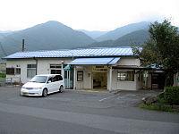 JR Okuwa sta 001.jpg