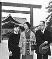 Japanese war-bereaved Family at Yasukuni Shrine.jpg