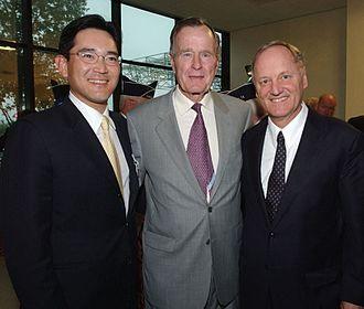 John J. Donovan - Jay-Yong Lee, George H. W. Bush, and John Donovan at the opening of Samsung's chip factory in Texas