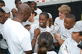 Jerry Rice - Rice signing autographs in 2006