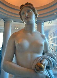 John Gibson (1790-1866) - The Tinted Venus (1862) upper front, Walker Art Gallery, Liverpool, May 2012.png