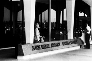 John Wayne Airport sign, 1980.jpg