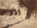 KITLV 92159 - Unknown - Temple in a cave at Elephanta in India - Around 1875.tif