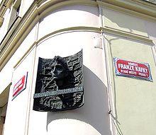 Un mémorial à Kafka, au mur de la maison de ses parents