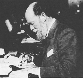 Peter Carl Fabergé - Peter Carl Faberge at work