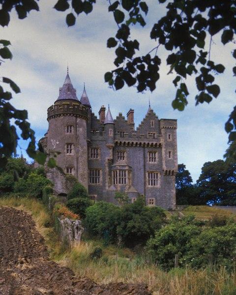 File:Killyleagh Castle - geograph.org.uk - 593880.jpg