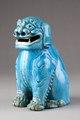Kinesisk blå rökelsebrännare i form av sittande Fos hund gjord av porslin - Hallwylska museet - 95444.tif