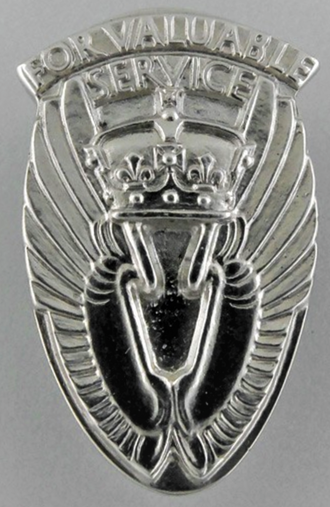 Queen's Commendation for Valuable Service in the Air - Obverse of the civilian badge
