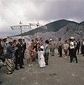 Koningin Juliana en prins Bernhard bij de vulkaan Tangkuban Perahu bij Bandung, Bestanddeelnr 254-9043.jpg