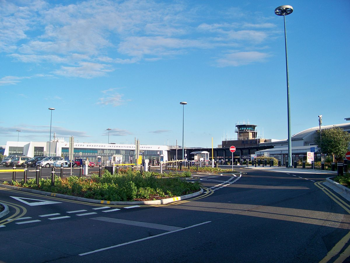 leeds bradford airport wikipedia. Black Bedroom Furniture Sets. Home Design Ideas