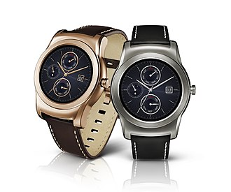LG Watch Urbane - Left to right: Rose Gold and Silver Color