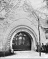 Lentrée du pavillon finlandais de lExposition universelle de 1900 à Paris (7624138438).jpg
