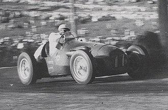 Lex Davison - Lex Davison (HWM Jaguar) contesting the 1954 Australian Grand Prix