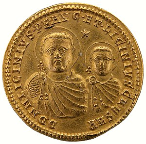 Battle of Chrysopolis - Licinius and his son, depicted with haloes, on a gold coin
