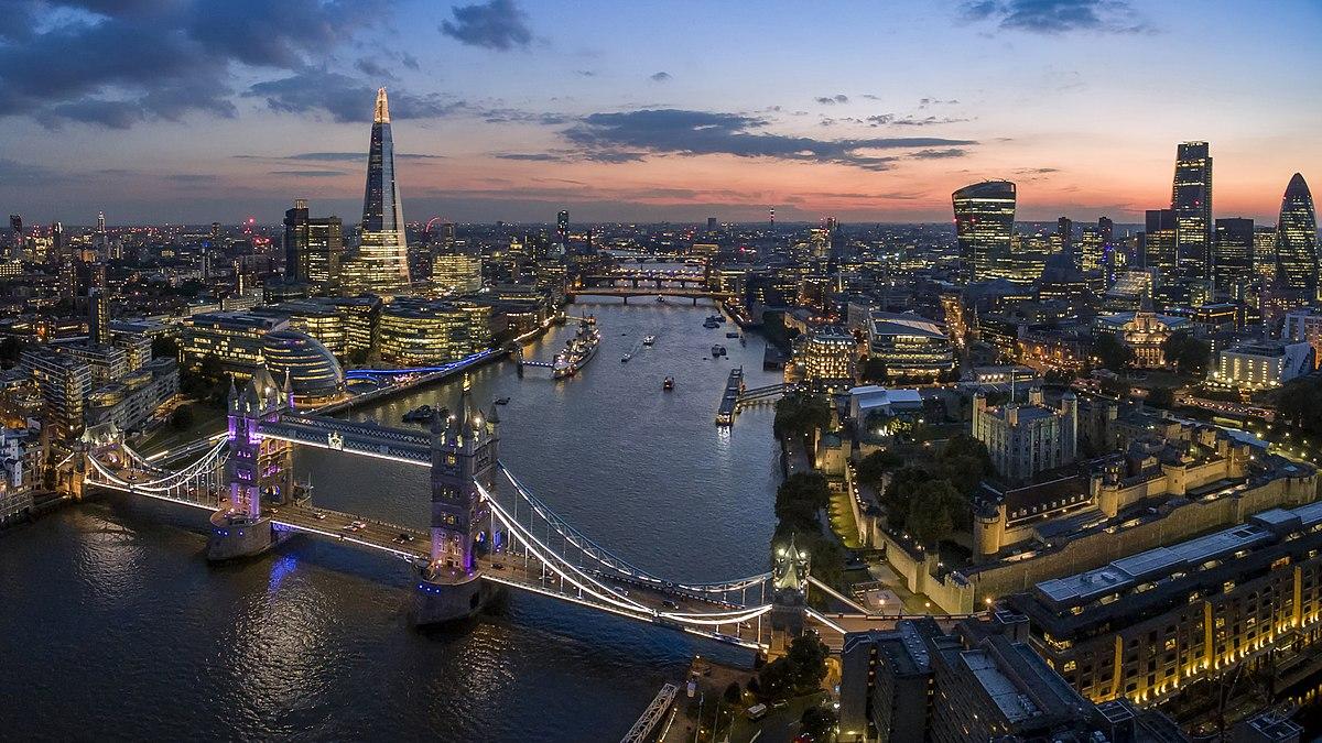 London Skyline (125508655).jpeg