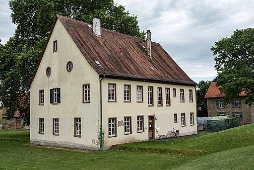 Adalherhaus im UNESCO-Welterbe Kloster Lorsch, Niebelungenstraße 32